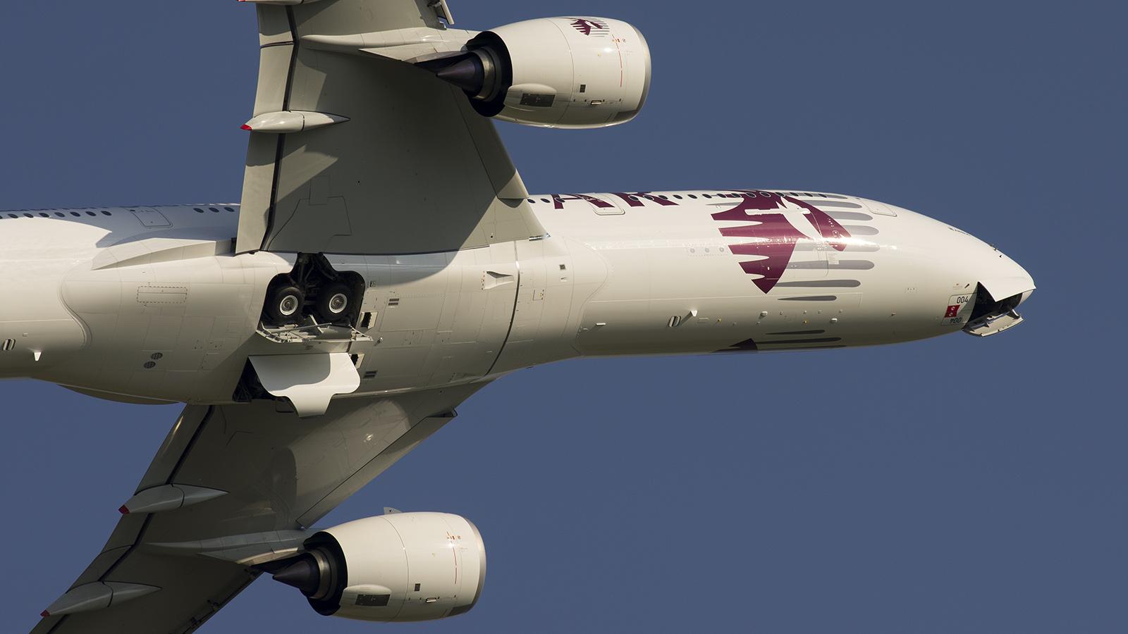 _IGP0772 Airbus A350XWB Airbus-Qatar colors F-WZNW