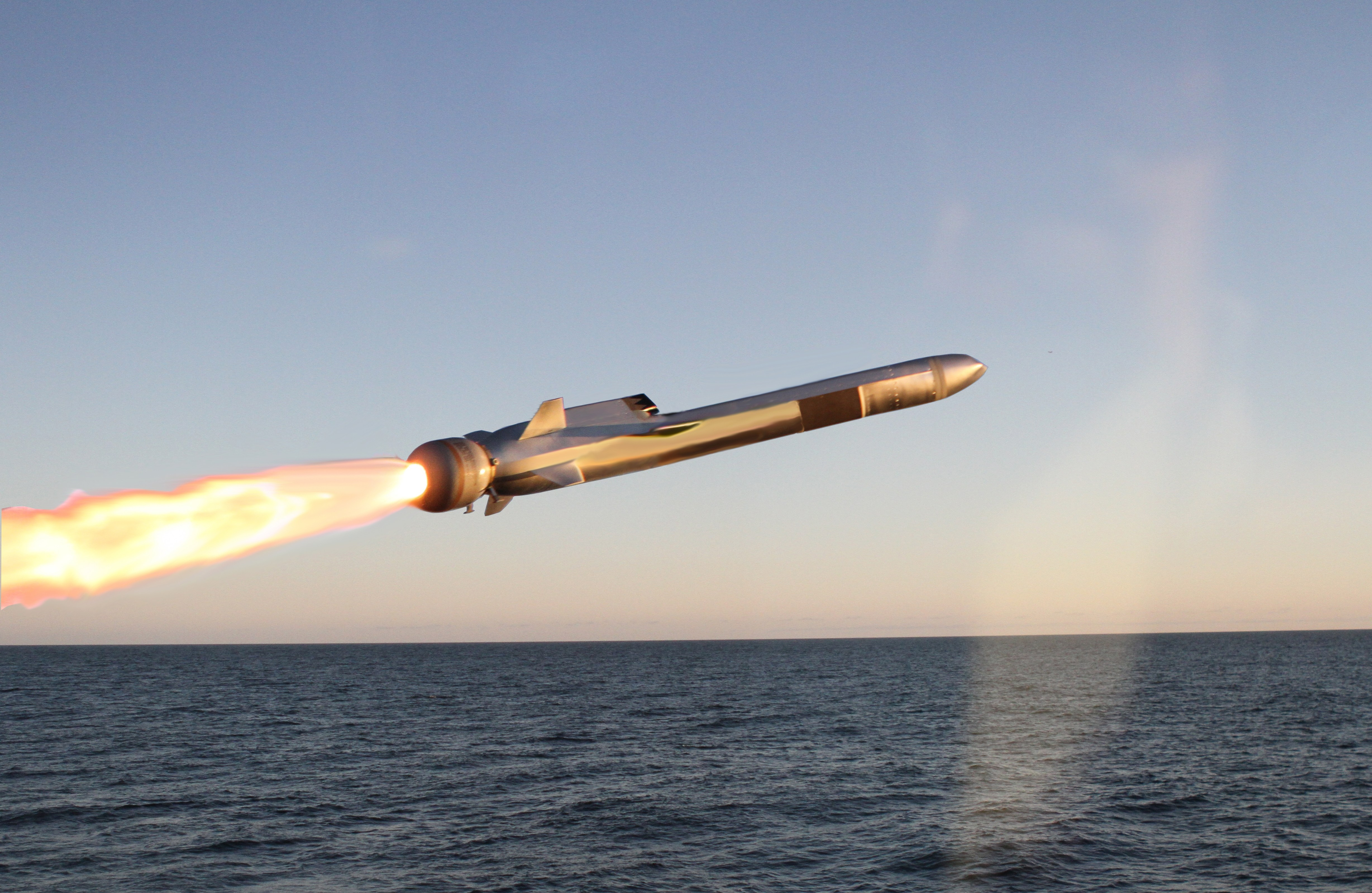 Raytheon SM-6 intercepts ballistic missile target at sea ...